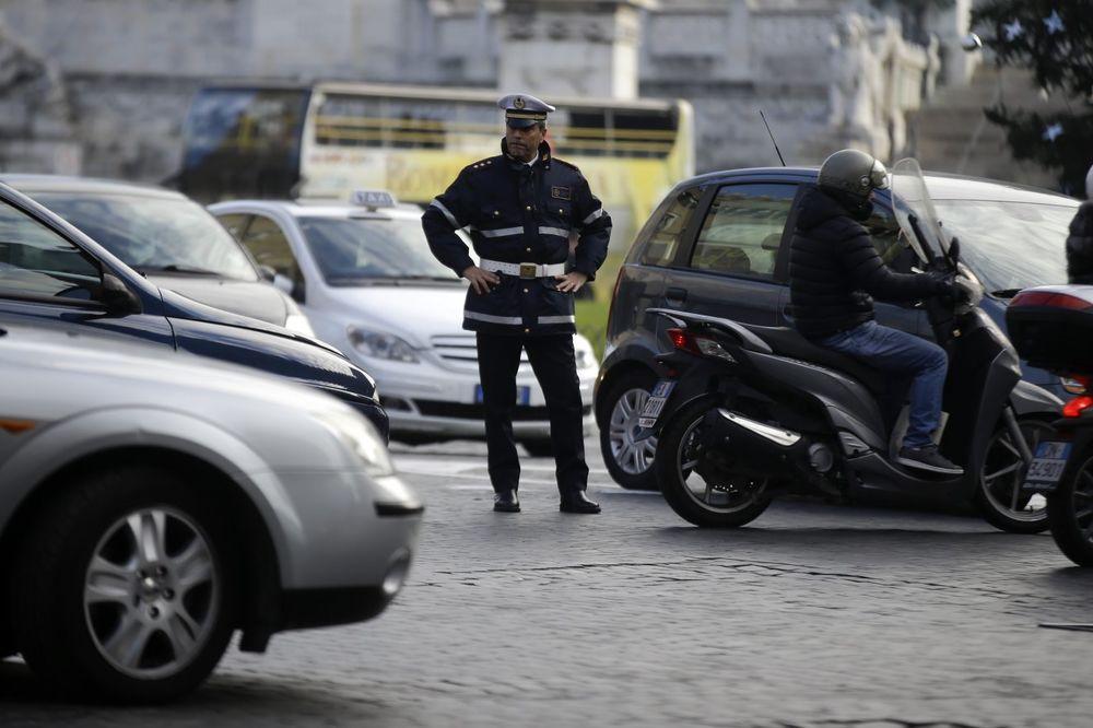 VREDNI ITALIJANSKI LOPOVI: Ukradu po auto na svakih 5 minuta
