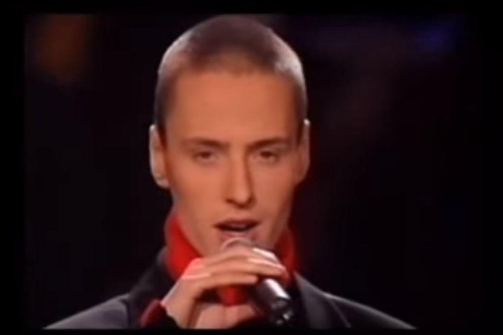 NEVEROVATNIH 12 MILIONA PREGLEDA: Ovaj pevač napravio je pravi haos na Jutjubu