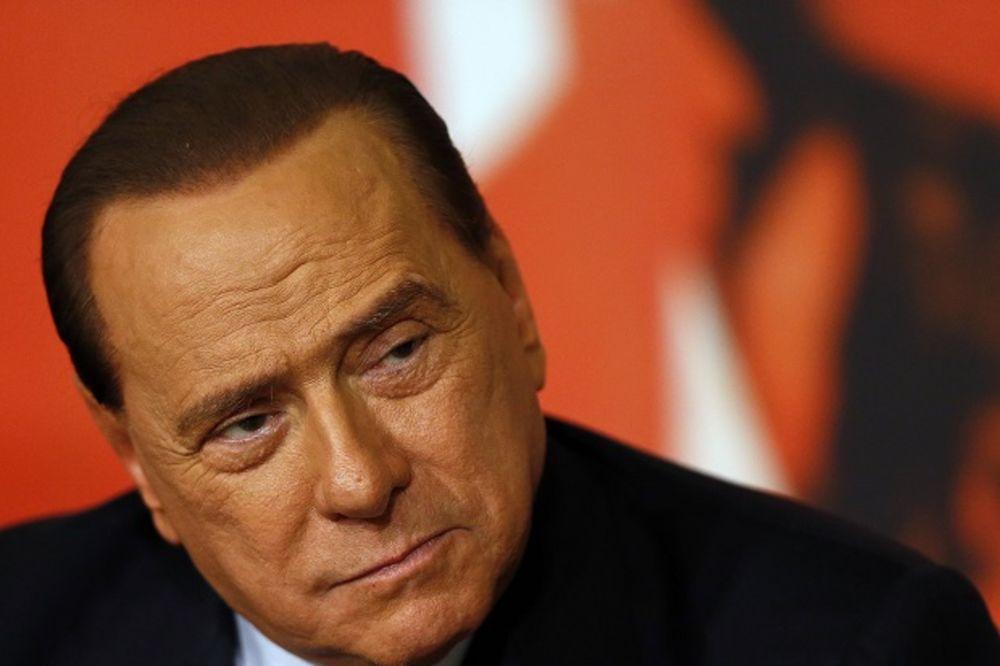 BERLUSKONI POTVRDIO: Prodao sam Milan kineskim investitorima