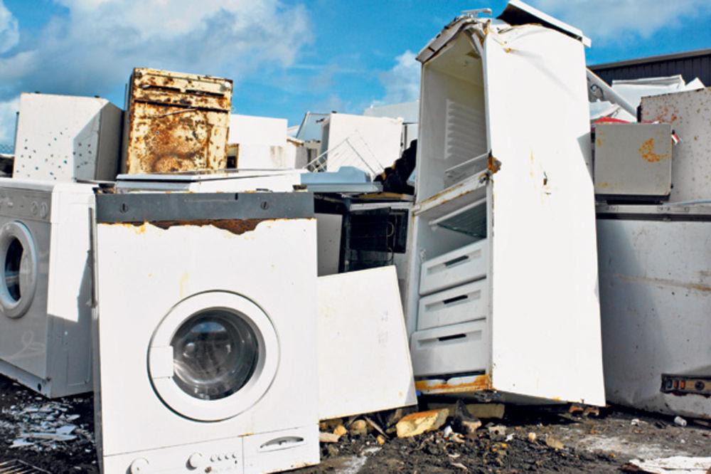 UNOVČITE POLOVNE STVARI: Stari frižider za pola novog