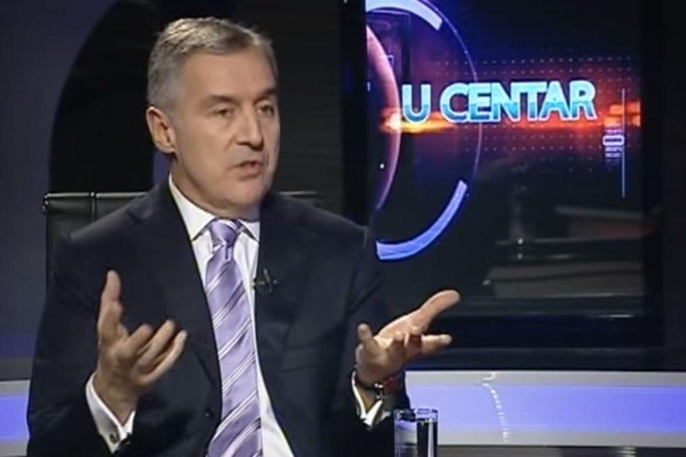 (VIDEO) Milo Đukanović protiv Mila Đukanovića, i kom da narod veruje!