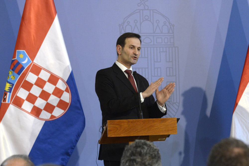 http://hrvatskifokus-2021.ga/wp-content/uploads/2016/06/miro-kovac-diplomatija-hrvatska-foto-ap-1457181332-857241.jpg