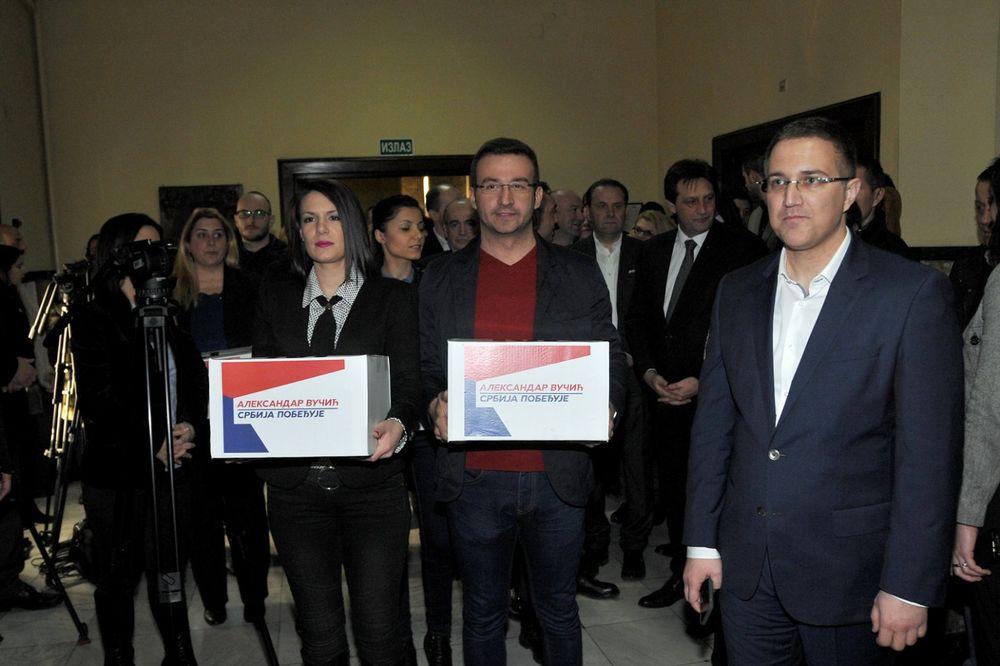 SNS PREDALA IZBORNU LISTU: Naprednjake predvodio Gašić