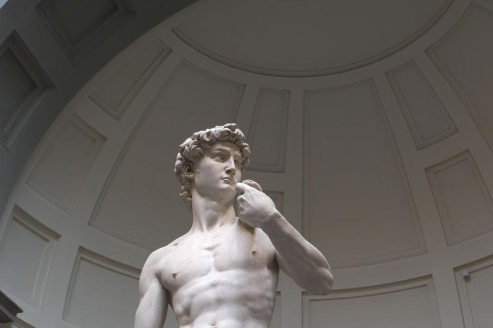 (VIDEO) SAVRŠEN MUŠKARAC: Evo kako bi Mikelanđelov David izgledao kao običan čovek od krvi i mesa
