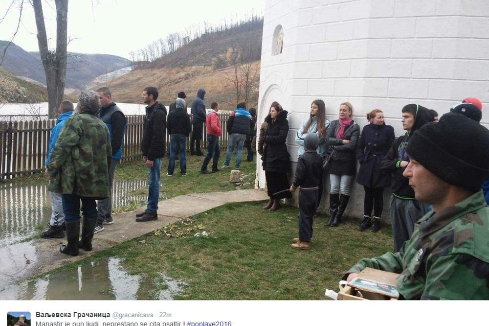 (FOTO) VALJEVSKA GRAČANICA U OPASNOSTI: Voda prodrla u manastir!