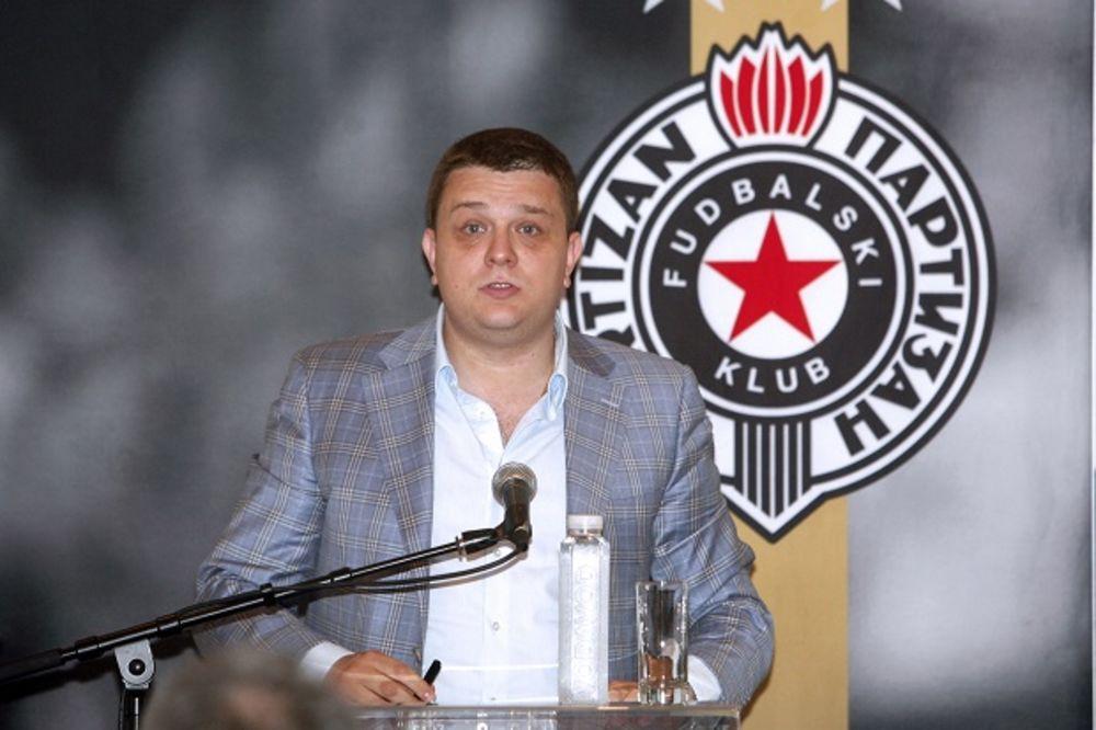 GROBARI SA KOSMETA: Bahati Vazura uništava Partizan, umešao je kriminalce u rad kluba!