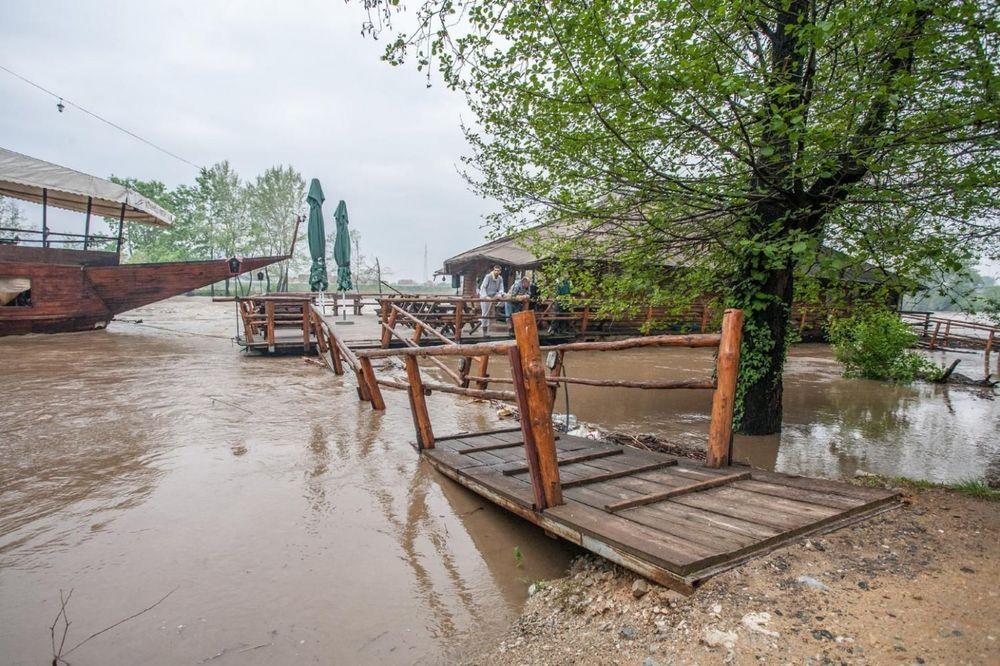 PANIKA U KOSOVSKOM POMORAVLJU: Ibar nadolazi, 1 porodica evakuisana