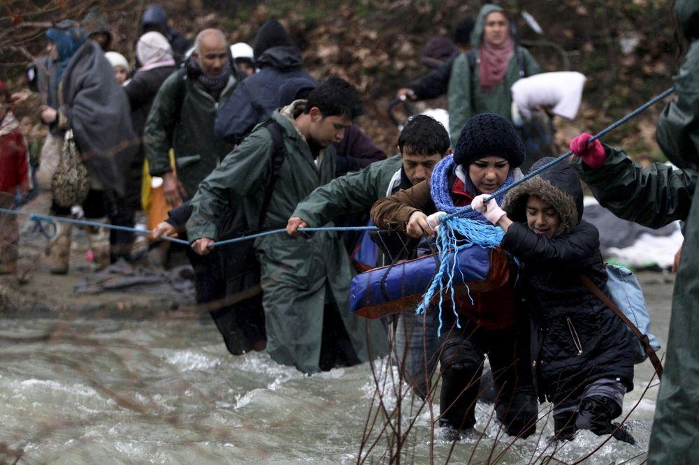 Makedonija, izbeglice, migranti, reka, Foto: Reuters