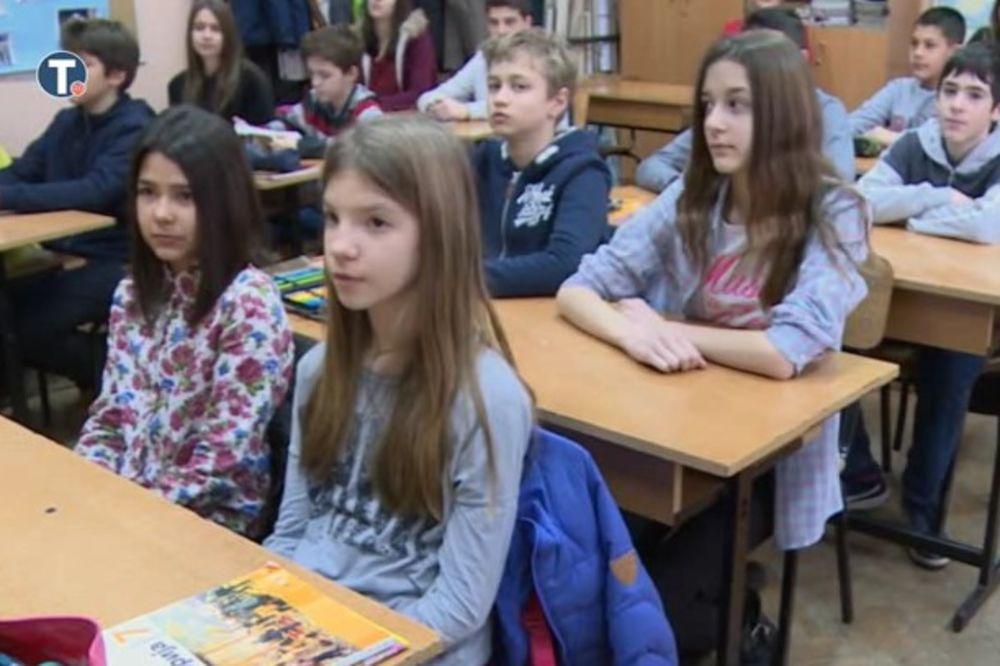 ŠKOLSKI ČAS O POGROMU: U svim školama u Srbiji sećanje na 17. mart