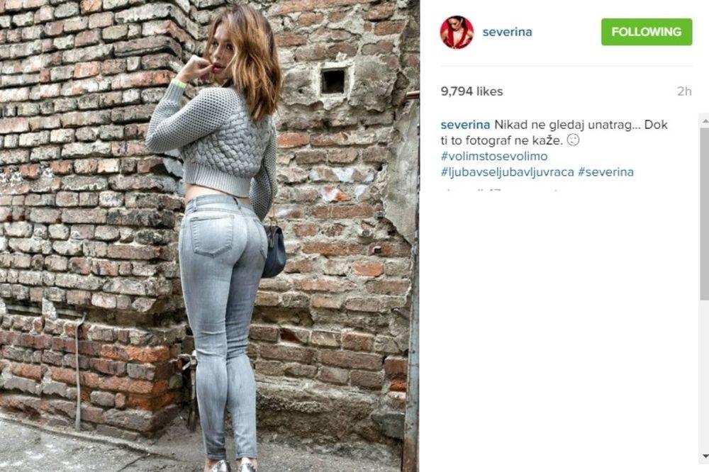 (FOTO) SEVE, PROMENI MALO: Pevačica mesecima ne skida jedne sandale!
