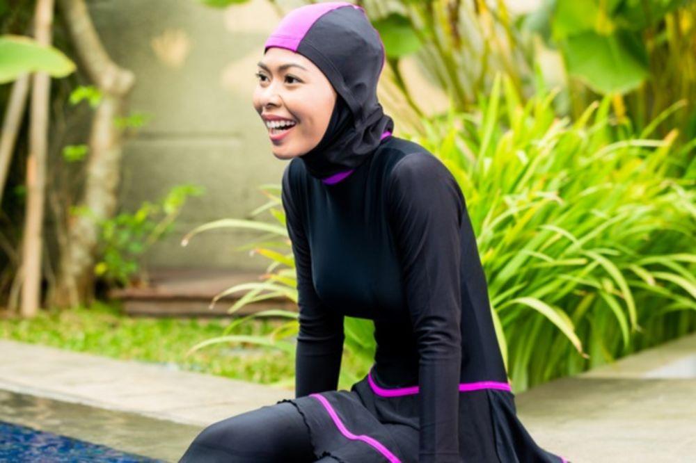 SLOBODARAC BI DA ZAVEDE RED Lauš: Treba zabraniti burka kostime na bazenima!