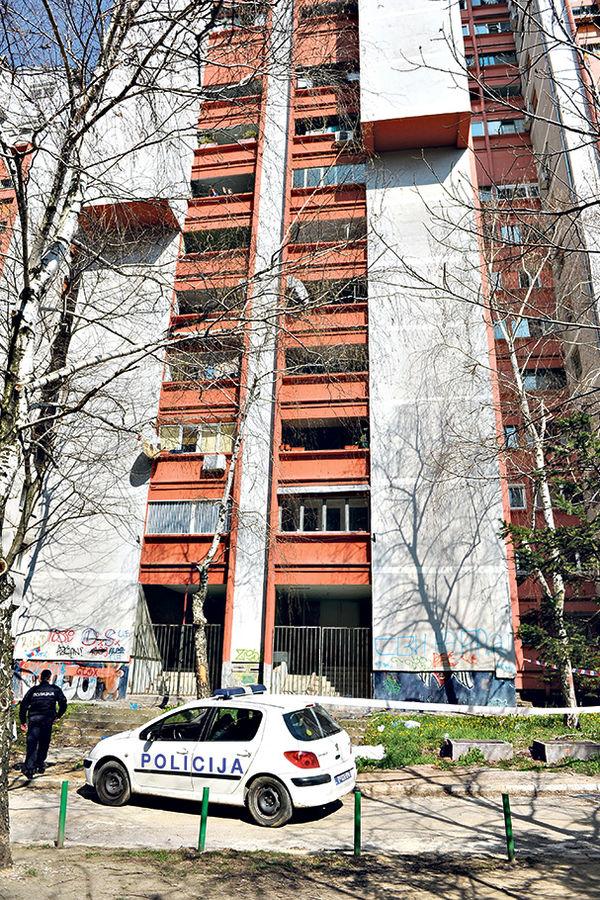 Uviđaj... Policija na mestu pada nesrećnog Stojkovića