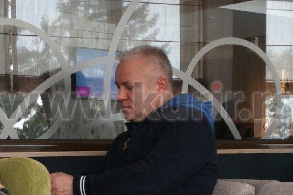 (PAPARACO) RED KLUBOVA, RED KAFIĆA: Evo kako Dinkić provodi dane na Kopaoniku