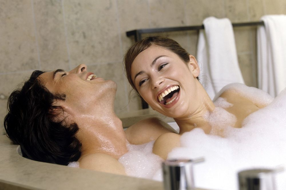 IZ MUŠKOG UGLA: Šta oni misle kad kažu da je žena dobra u krevetu
