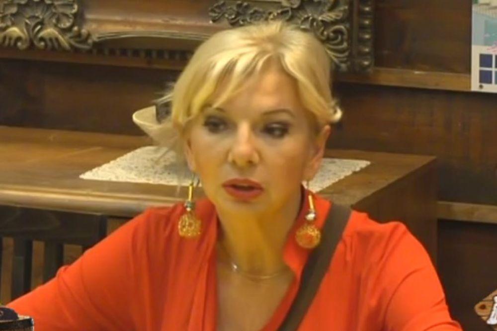 (VIDEO) I TO DA SE DESI: Medenica siktala na Golubovićku, žestoko je izvređala