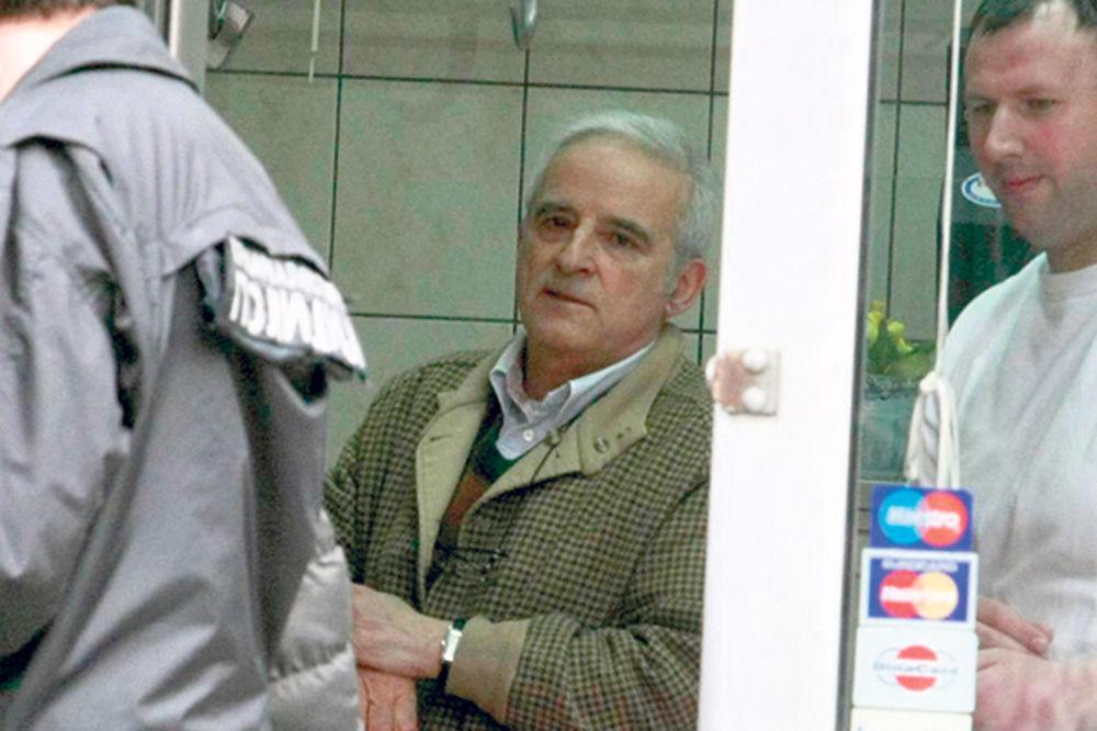 Zaključao lokal posle nesreće... Bratislav Petković, eksministar kulture