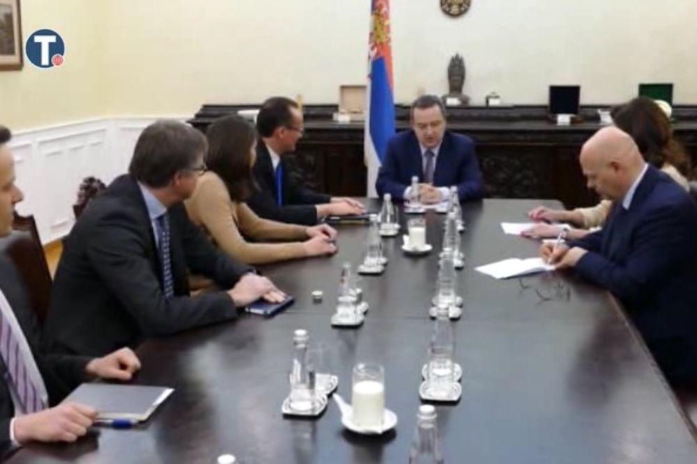 PODRŠKA PREGOVARAČKOM PROCESU: Dačić i Krihbaum osudili terorističke napade u Briselu