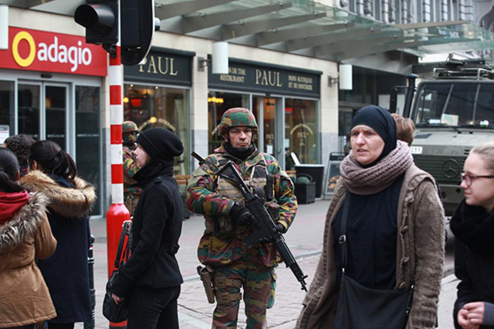 ZABRINJAVAJUĆI UZVEŠTAJ EUROPOLA: Teroristi pune tajna skladišta eksplozivom i spremaju nove napade!