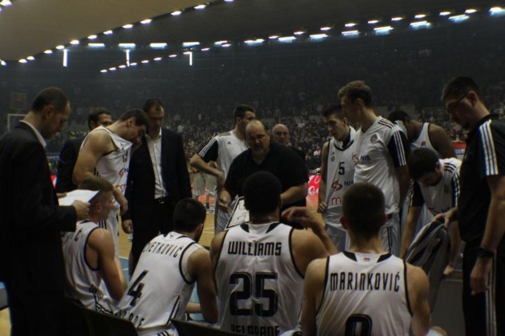 (VIDEO) ZA SLOBODAN I JAK PARTIZAN: Grobari grade halu za crno-bele košarkaše