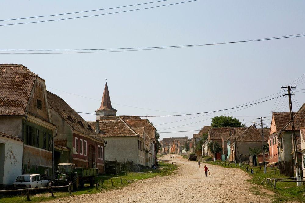DALEKO OD 21. VEKA: U Rumuniji 100.000 kuća bez struje ili gasa