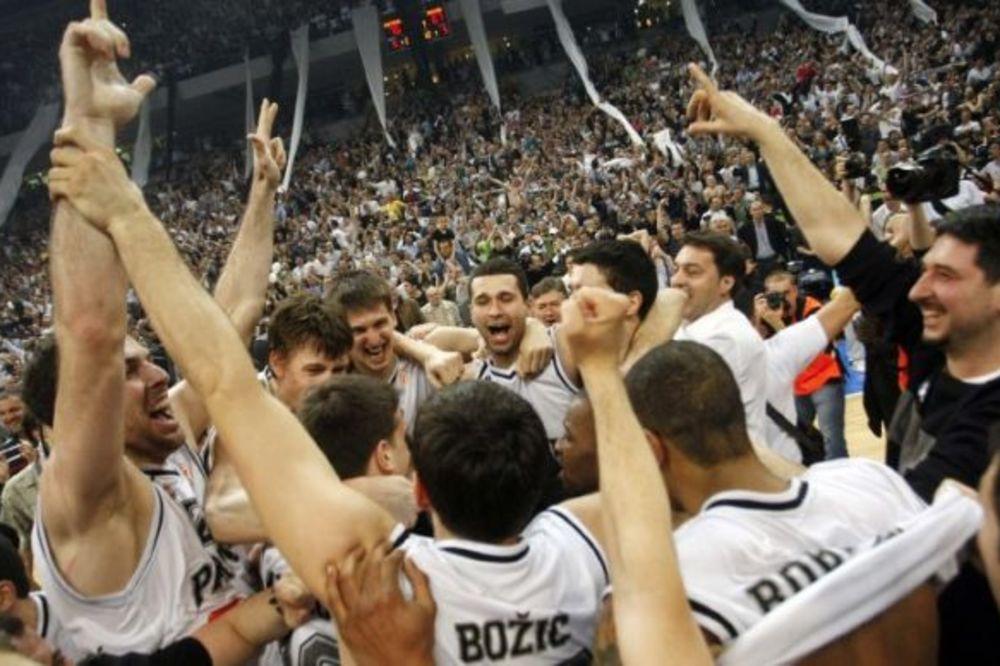 (VIDEO) ARENA JE GORELA: Partizan je pre 6 godina zgazio Makabi i izborio F4 Evrolige!