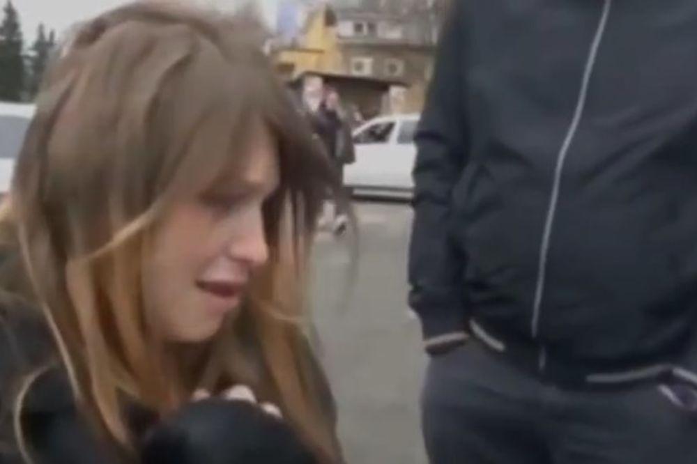 (VIDEO) HTELA DA PRODA DETE ZA 2.000 EVRA: Ali nije ni slutila ko je kupac