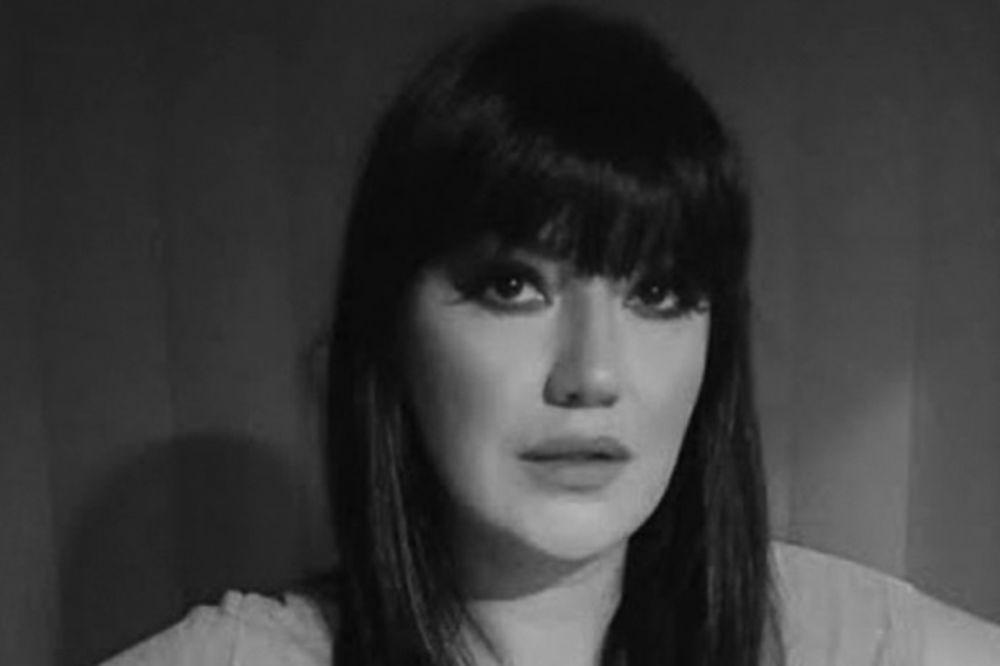 TAJNE I MUKE KOJE JE JELENA MARJANOVIĆ PONELA U GROB: Sve tragedije iz života pevačice