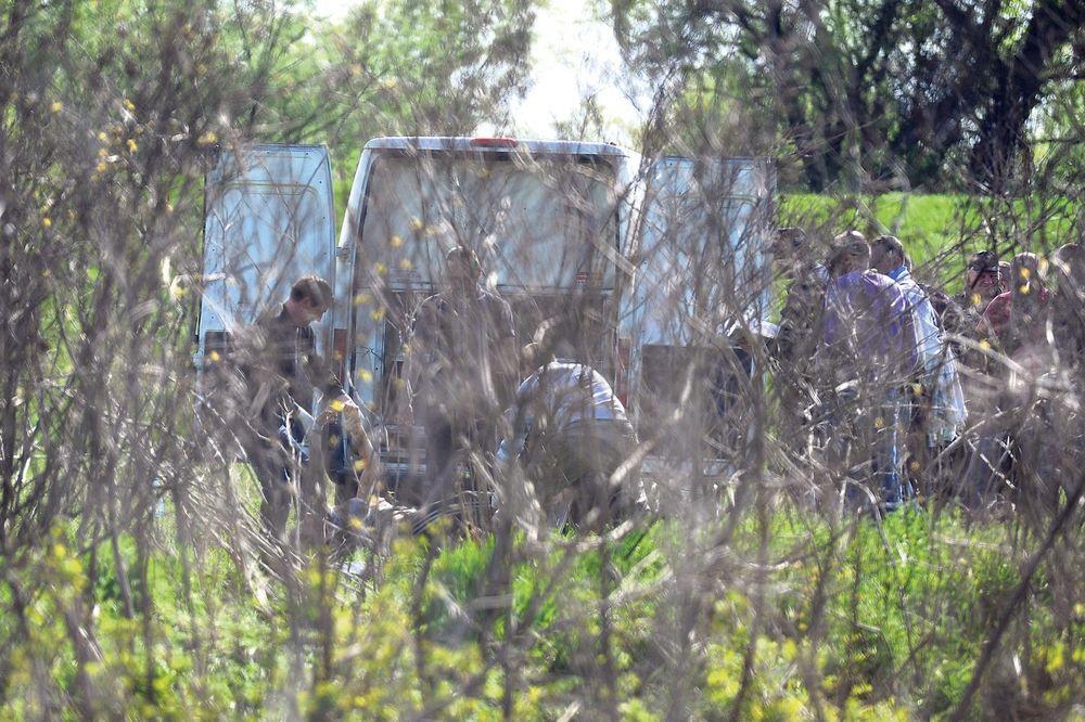 Tragičan kraj...Forenzičari juče oko 14 časova odneli telo ubijene pevačice Granda