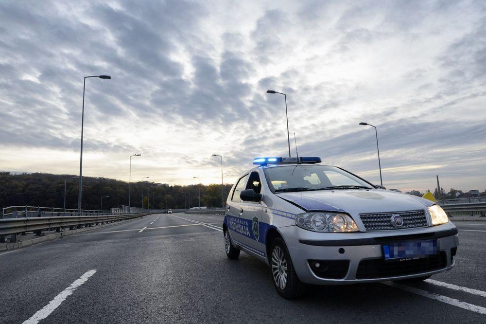 Saobraćajna policija auto put foto Nebojša Mandić