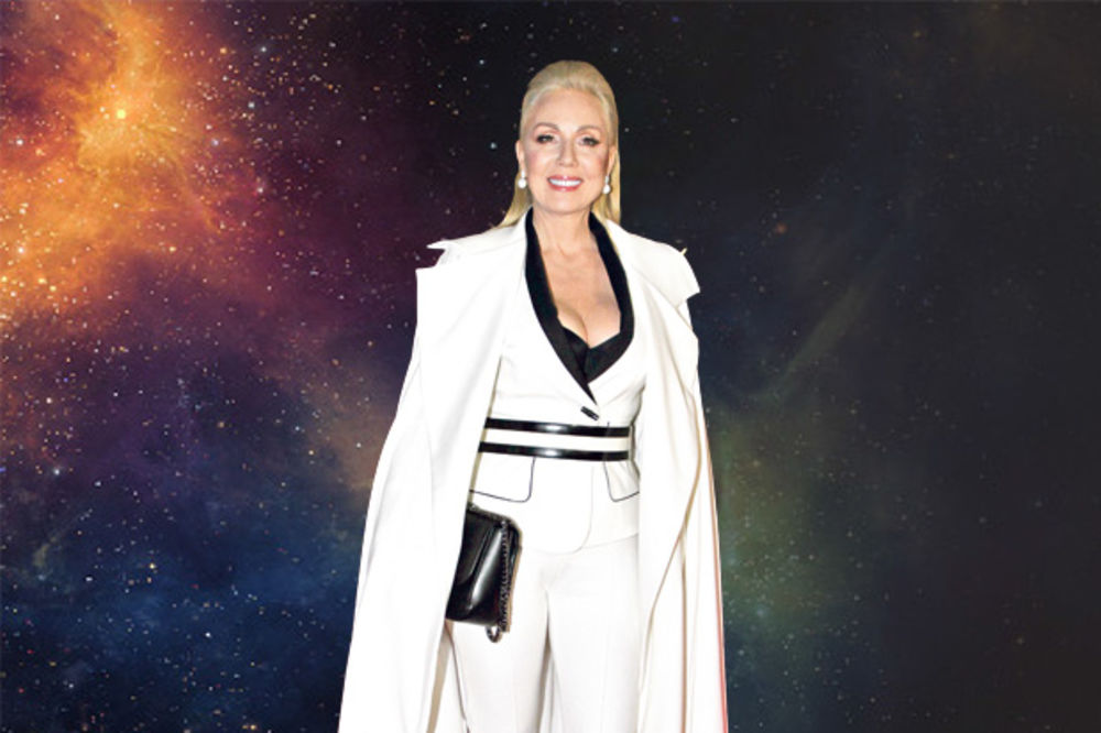 (FOTO) PEVAČICA PROMENILA IDENTITET: Lepa Brena kao Ledi Gaga!