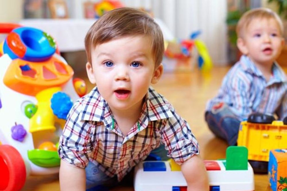 (VIDEO) Kako učenje stranih jezika utiče na mozak dece?