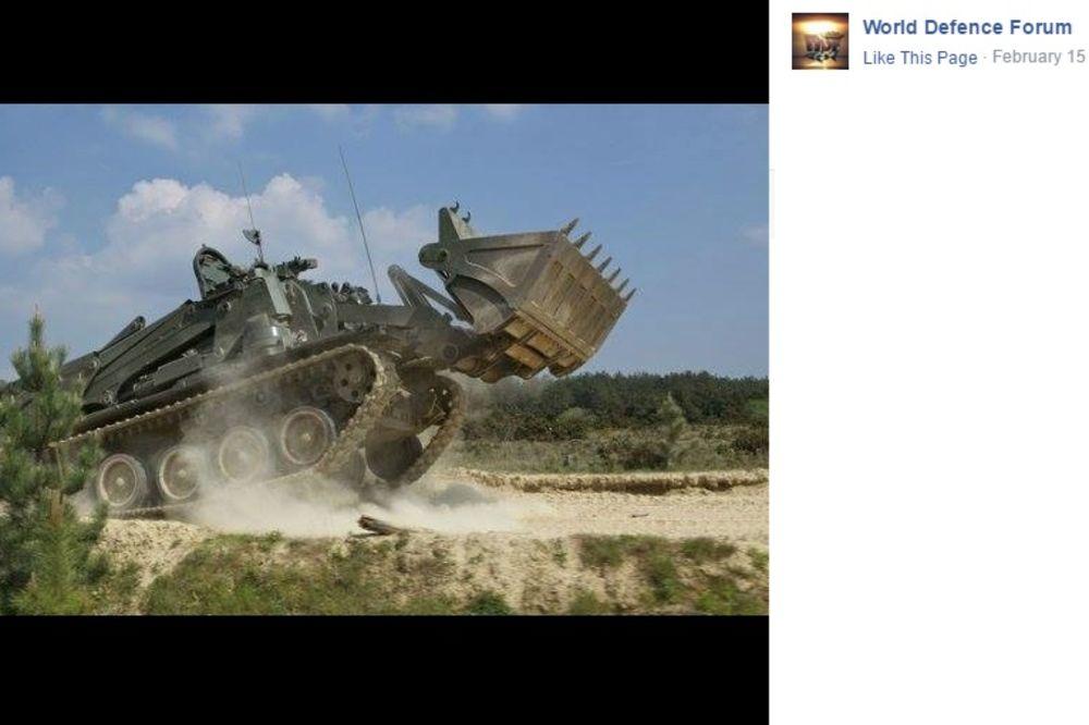 (VIDEO) UPOZNAJTE ČUDOVIŠTE OD BAGERA: Ne samo da buši beton i zemlju, već može i da puca
