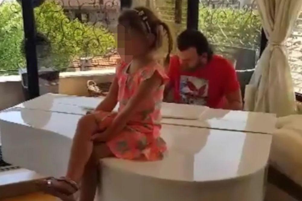 (VIDEO) TATINA KOPIJA: Poslušajte kako Lukasova ćerka peva, raznežiće vas
