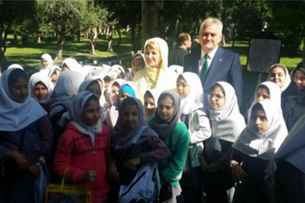 NIKOLIĆ U POSETI IRANU: Ponosan sam na tradiciju prijateljstva naše dve države