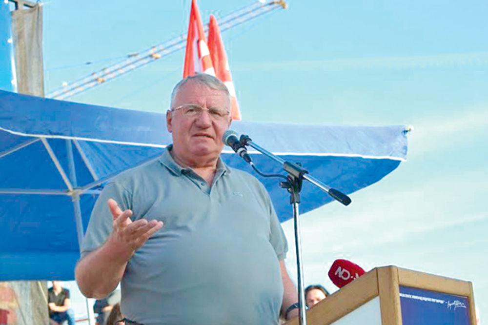 Šešelj: Srbija mora da ulaže u svoju proizvodnju!