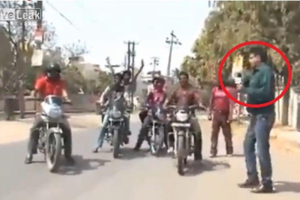 (VIDEO) ŠTA GA JE SNAŠLO! Evo kako izgleda kad pokušate da uradite intervju u Indiji