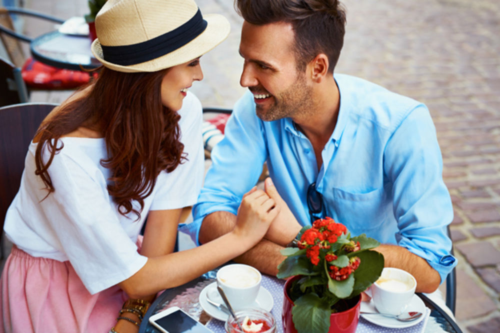 NJIMA JE LJUBAV ZAGARANTOVANA: Ovo su najbolji parovi po horoskopu!