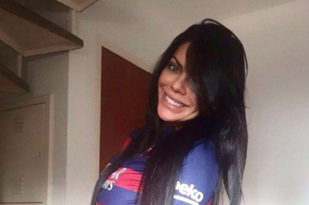 (FOTO) MESI JE BLOKIRAO NA INTERNETU: Brazilska starleta slala porno snimke zvezdi Barselone