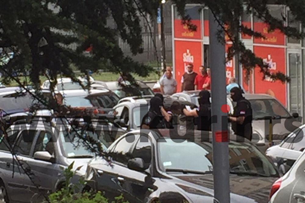 (FOTO) SPEKTAKULARNO HAPŠENJE U CENTRU BEOGRADA: Specijalci sa fantomkama uhapsili Velibora Bakića