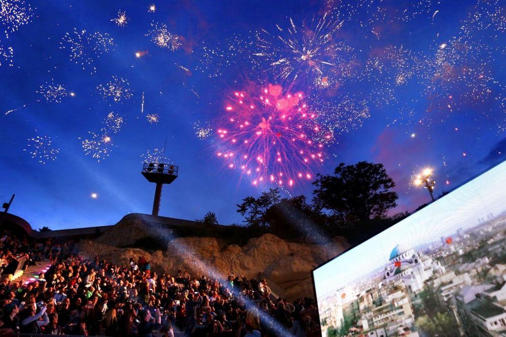 (VIDEO,FOTO) OVAKO JE SINOĆ BILO NA TAŠU: Vatrometom i koncertom stadion predat Beograđanima!
