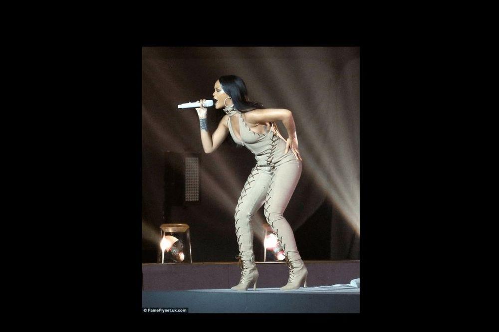 (FOTO) RIJANA NA ANTI TURNEJI: Pevačica se ubucila i to ne krije