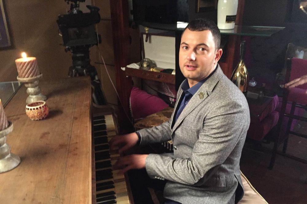(VIDEO) ZBOG LJUBAVI NA PUT OKO SVETA: Kao Kao bend snimio spot za novu pesmu