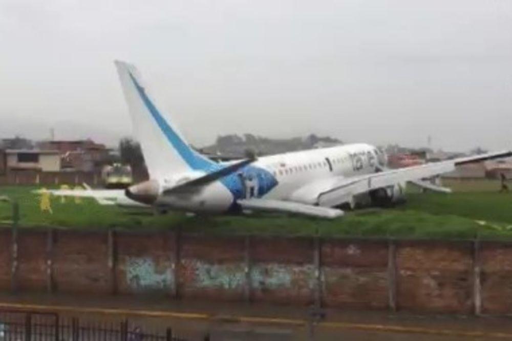 JAKE KIŠE U EKVADORU: Avion s 93 putnika i članova posade skliznuo s piste, dvoje povređeno