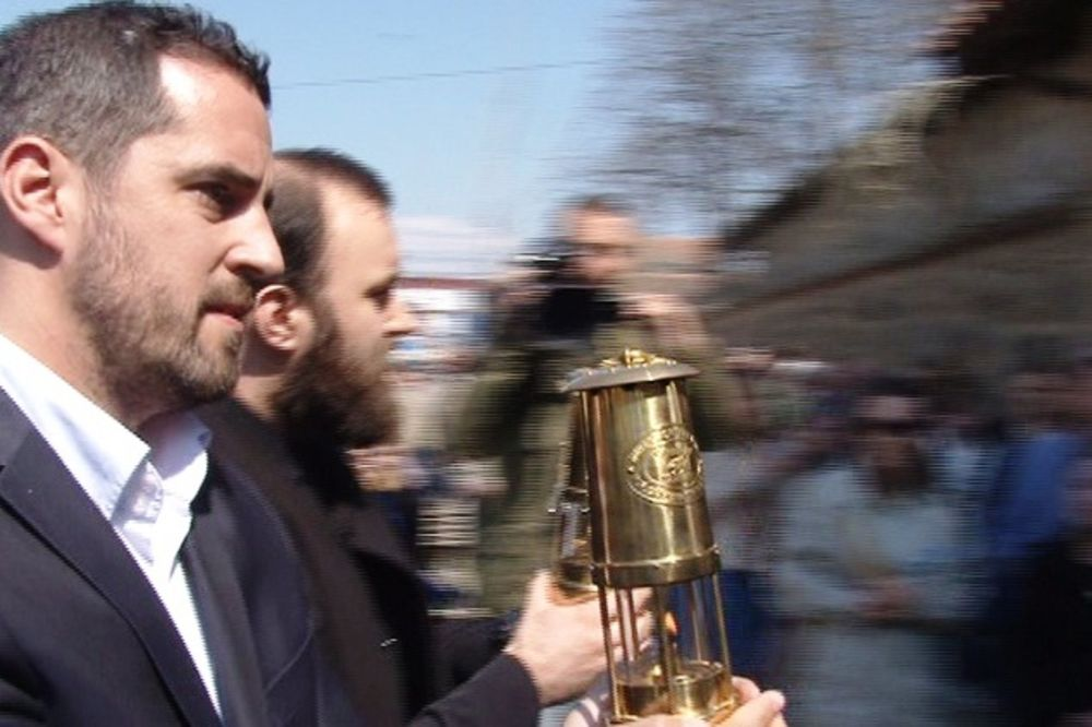 SVETINJA NAJPRE STIŽE U GRAČANICU: Blagodatni oganj i ove godine na Kosovu
