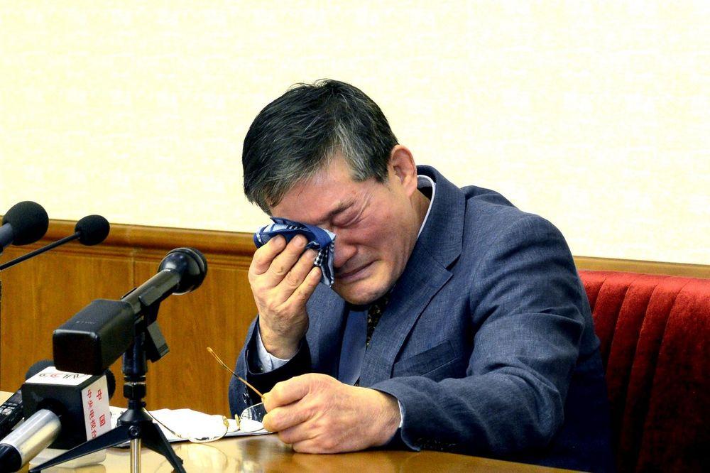 SEVERNA KOREJA NEMILOSRDNA: Amerikancu 10 godina teškog rada zbog špijunaže