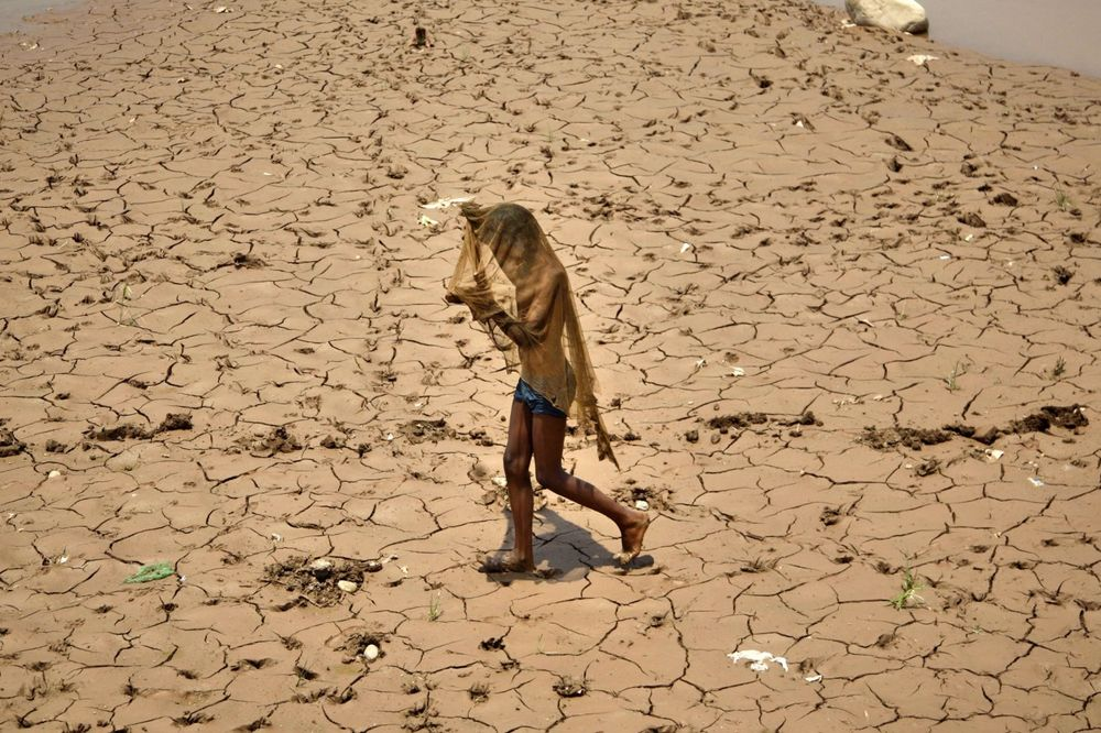 ZABRANJENO I KUVANJE: U Indiji od nesnosnih vrućina preminulo 300 ljudi