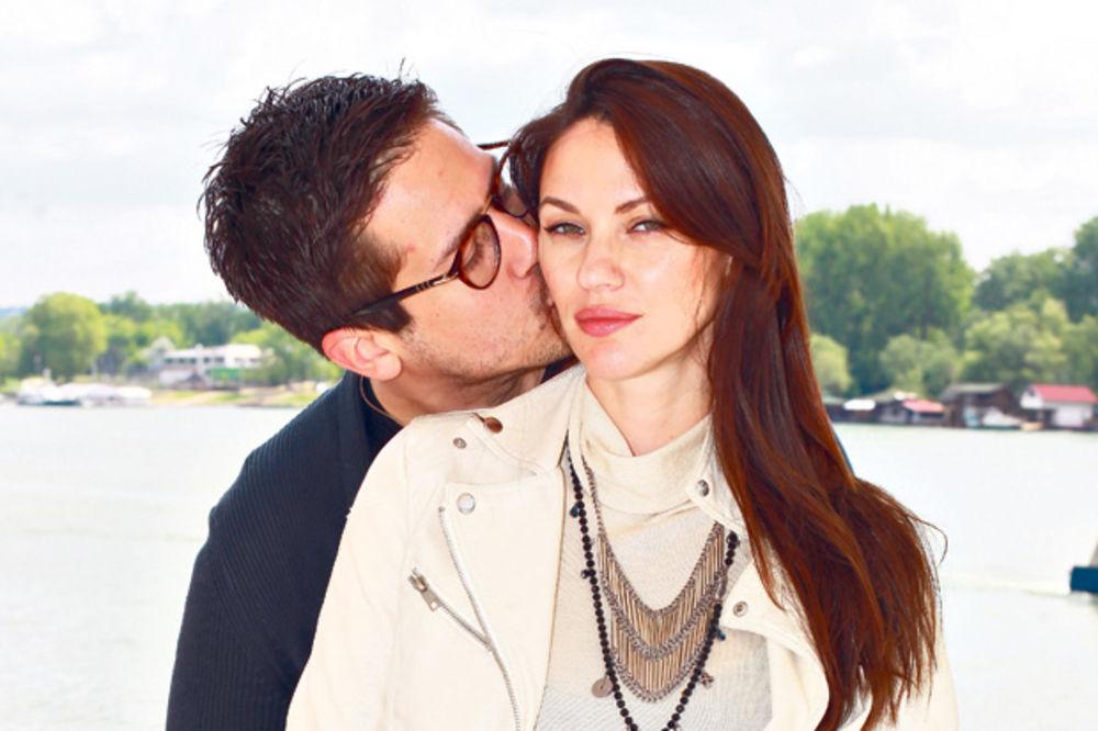 (FOTO) TAJNO VENČANJE: Nikola i Bojana izgovorili sudbonosno da, pogledajte kako su izgledali