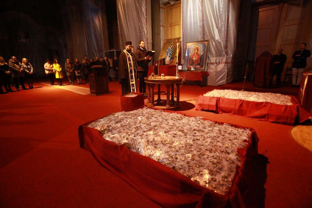 (VIDEO) SREĆAN VASKRS, SRBIJO: Ovako je Kurir osveštao poklon krstiće u Hramu Svetog Save