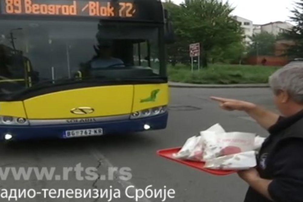 OVAJ BEOGRAĐANIN JE CAR Zaustavio autobus u Žarkovu pa delio besplatne girice na Veliki petak!
