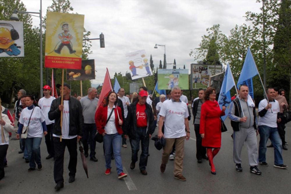 PRVOMAJSKA POVORKA U PODGORICI: Stotinak sindikalaca tražilo veću bezbednost na radu